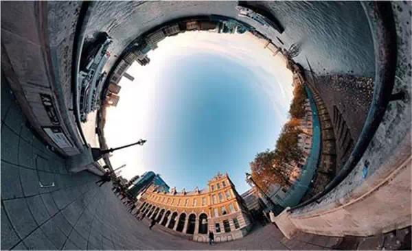 这才叫真正的360°全景照,你拍的只是照片